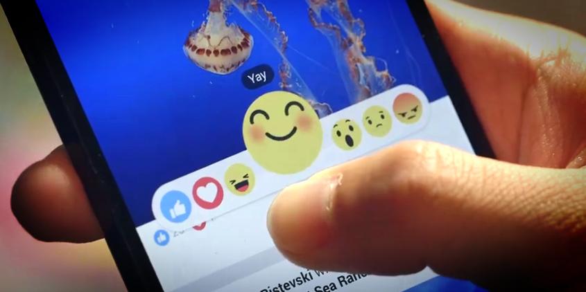 Facebook lance aujourd'hui dans le monde entier les nouveaux boutons J'aime, J'adore, Wouah, Triste et Grrrr. On vous en avait parlé en octobre 2015, à l'époque en phase de test. Exprimer des émotions et suivre les statistiques des J'adore, le nouveau Graal pour les annonceurs, c'est trop coooool nan ?